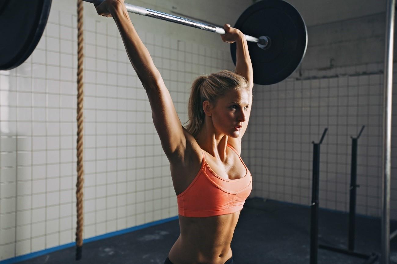El crossfit gana popularidad cómo método de entrenamiento, pero tiene sus desventajas.