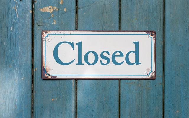 Pros y contras de cerrar tienda online en vacaciones.