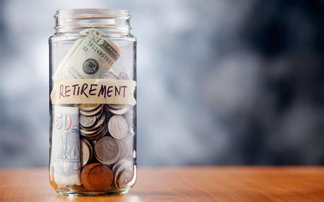 Recortar en pequeños gastos y ahorrar para la jubilación.
