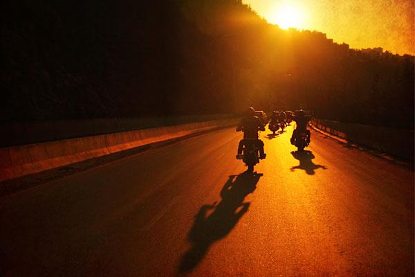 consejos para conducir en moto en grupo