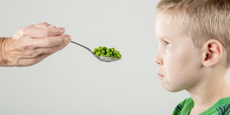 trucos para que tus hijos prueben la comida