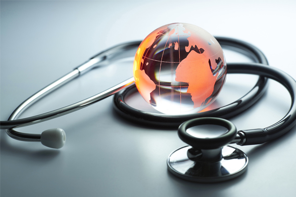 ¿Sabes cómo acudir al médico si te pones enfermo en el extranjero?