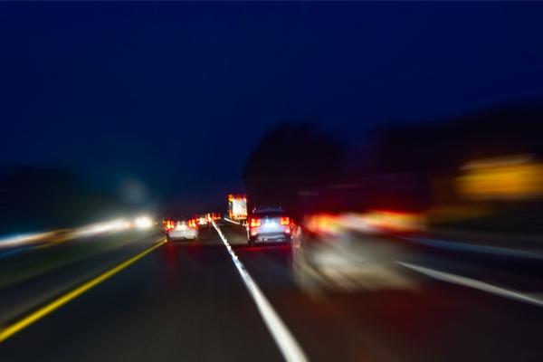 Conoce todos los factores de riesgos que pueden afectar a tu conducción nocturna