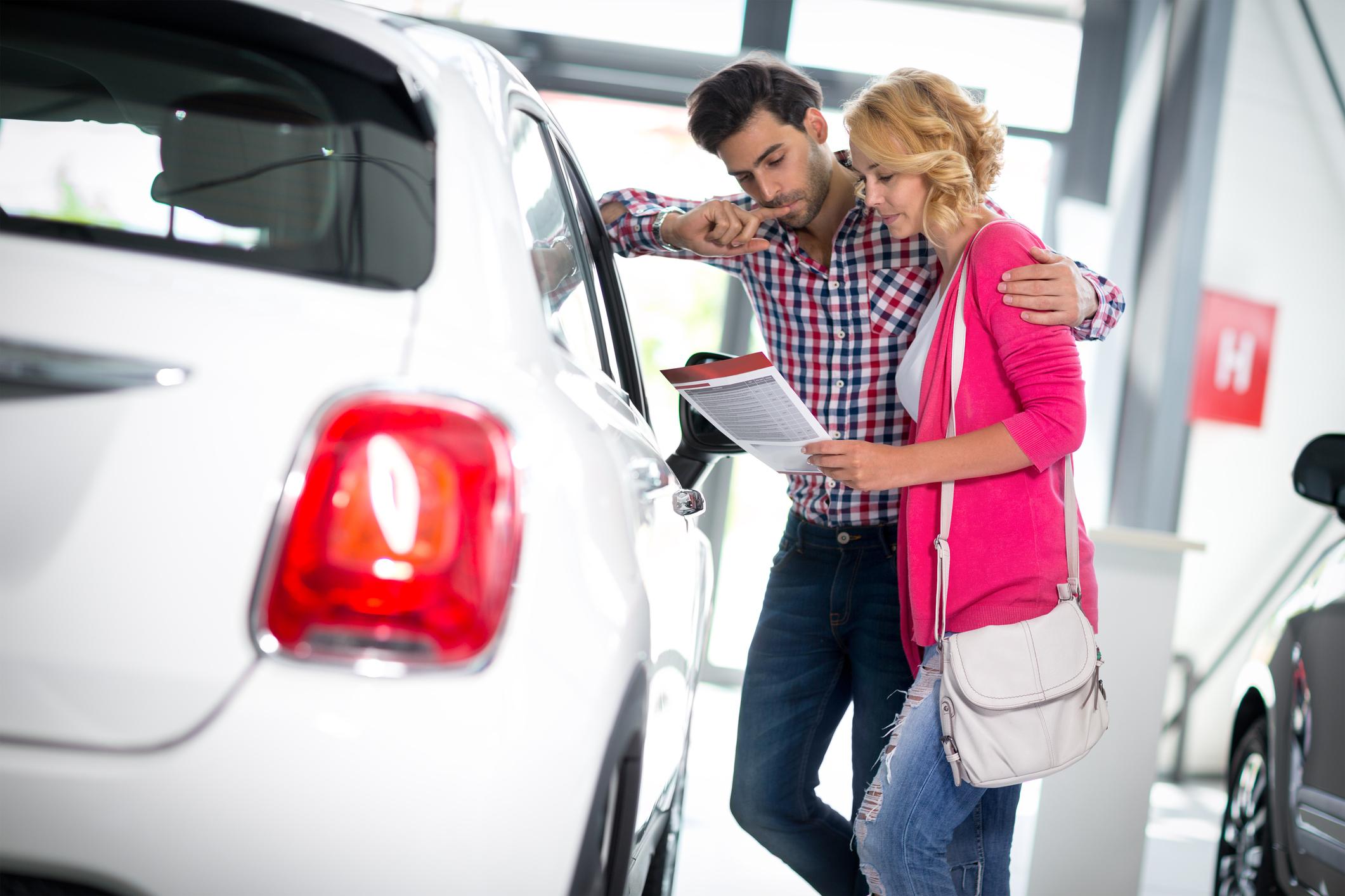 Comprar un coche entre dos personas