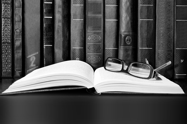 Los libros nos transportan a un mundo diferente.