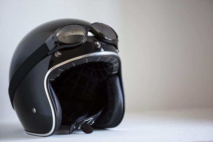 ¿cuando caduca y debo cambiar mi casco de moto?