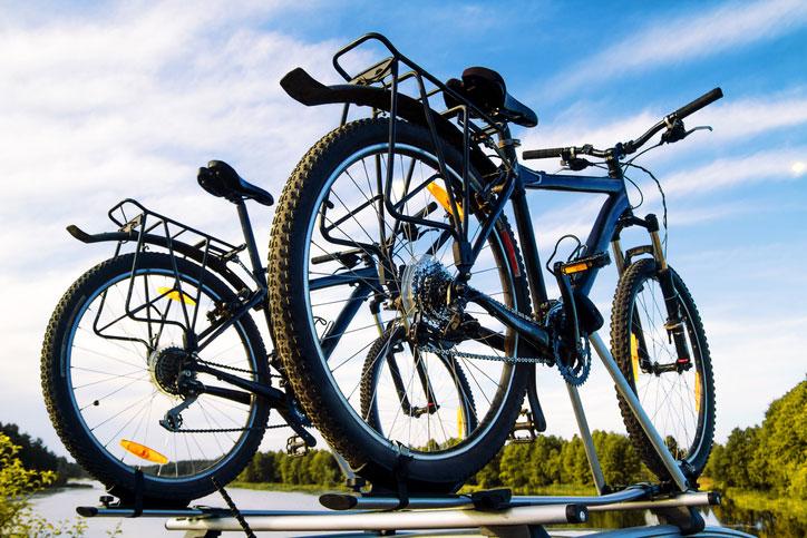 bici en el coche, cargar bici dentro del coche, cargar bici en coche, baca bicicleta