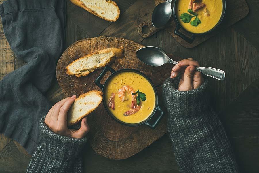 Beneficios de tomar sopas y cremas